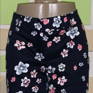 ANN TAYLOR 8p flower shorts navy pink